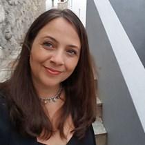 Sara Bradford