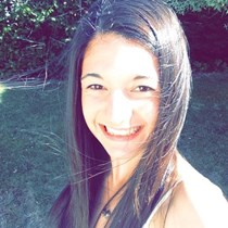 Laura Tasharrofi