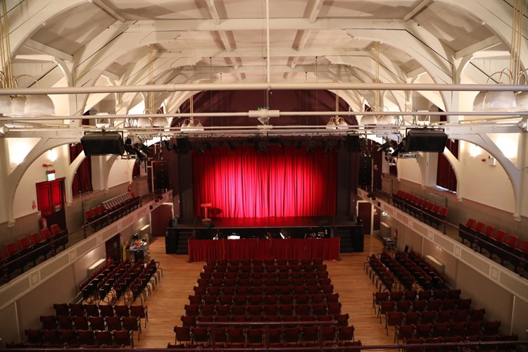 Crowdfunding To Refurbish The Dressing Rooms At Yeadon Town Hall By 7th December 2019 On Justgiving