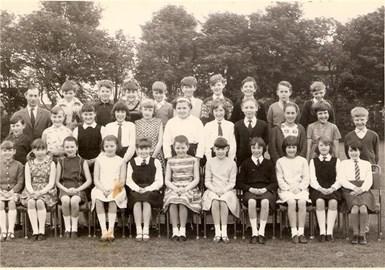 Eda's primary school photo!