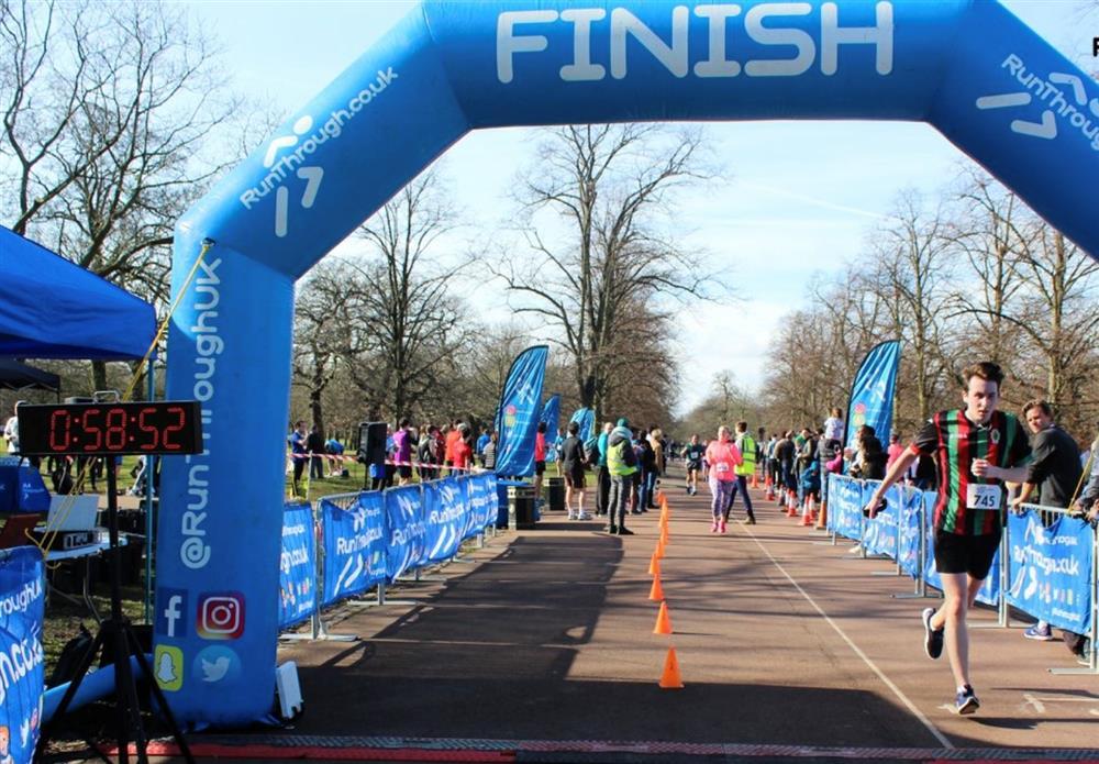 just giving sam stringer  - Hackney Half Marathon 2019 - 2019-05-19T00:00:00  -