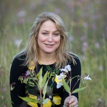 Angela MacRitchie