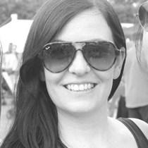 Fiona Robbins